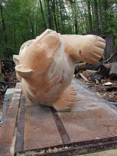 Mountain lion chainsaw sculpture based on nittany lions